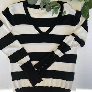 AMBIANCE   black + white stripe v neck sweater L